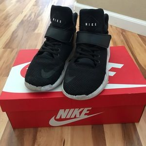 Black nike kwazi shoes